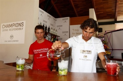 rafael-nadal-tennis-champand-bacardi-bartender-_2